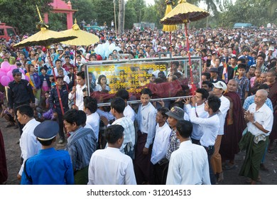 MYAWADDY MYANMAR - NOVEMBER15 : Great cremation noble Buddhist monk ceremony at border community Wat Ban Rai Myawaddy province, Karen state, Myanmar on NOVEMBER15, 2014