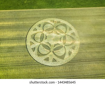 Mysterious crop circle emerged overnight in wheat field with beautiful pattern, found in Buren an der Aare, Switzerland July 2019