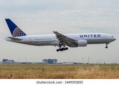 N228UA, July 11, 2019, Boeing 777-222 (ER) -30556 landing at Paris Charles de Gaulle Airport at the end of United Airlines flight UA987 from Chicago