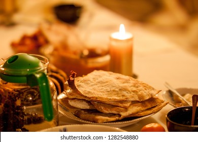 Naan breed on christmas table