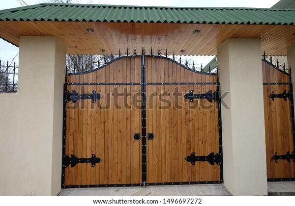 Nabrannabranazerbaijan Winter 2016 Villa Entrance Design Stock Photo Edit Now 1496697272