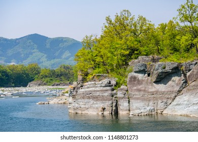 Nagatoro Iwadatami is a national designated scenic spot, and many tourists visit to see the rock of unusual topography. Nagatoro Valley is located in Chichibu-gun, Saitama Prefecture.