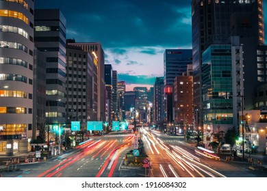 Nagoya - februari 14, 2021 ; Take a landscape photo in the middle of a city with beautiful colorful lights