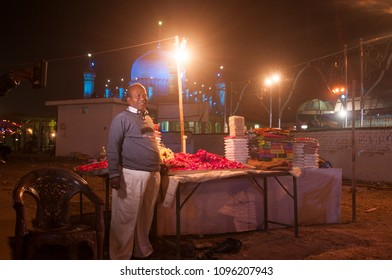 India Street Food Images, Stock Photos & Vectors | Shutterstock