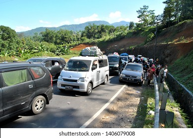 Nagreg, Bandung West Java, Indonesia, August 01st, 2014. Mudik or Pulang Kampung is Indonesian moslems tradition to come to their hometown from Capital or big city, to celebrate Eid Mubarak.