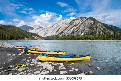 Nahanni river canoing