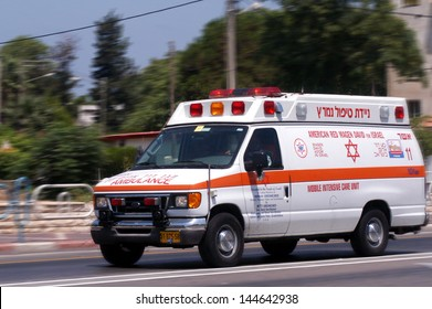 NAHARIYA, ISR - JULY 26:Israeli Magen David Adom ambulans on July 26 2006.Since June 2006, Magen David Adom has been officially recognized by the Red Cross (ICRC)as the national aid society of Israel.