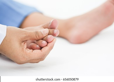 Nail disorders Show signs of heart disease