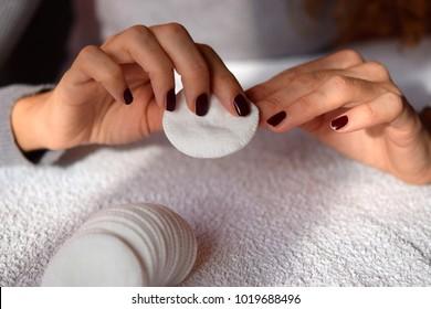 Nail polish removing