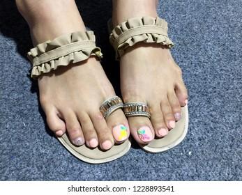 Imagenes Fotos De Stock Y Vectores Sobre Gel Nails Feet