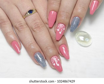 Nails with gel