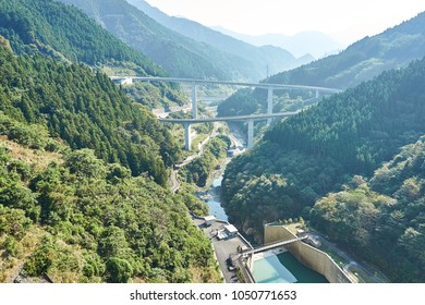 Nakatsu River and Raidentodoroki Bridge View of Saitama prefecture