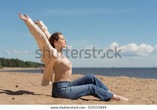 Girl naked beach Nude Amateur