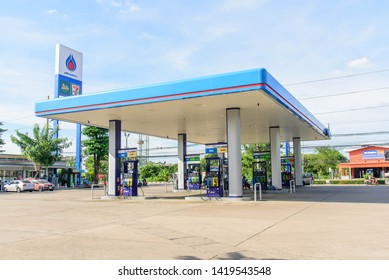 Nakhon pathom , Thailand -  5 June, 2019 : car coming to refuel oil in PTT petrol station