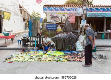 NAKHON PATHOM, THAILAND - MARCH 19, 2016 :Merchants sell Hand tools and agricultural equipment in morning market by the country of Thailand.