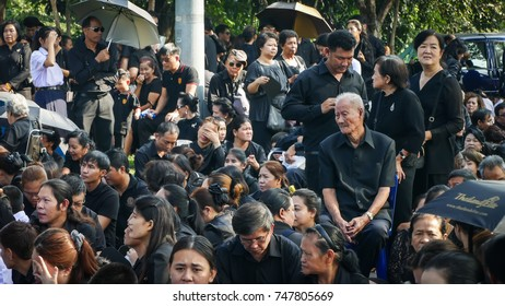 NAKHON PATHOM, THAILAND - OCTOBER  26 : People stand on the queue to join The Royal Cremation for His Majesty the late King Bhumibol Adulyadej  at Nakhon Pathom,Thailand on October 26, 2017