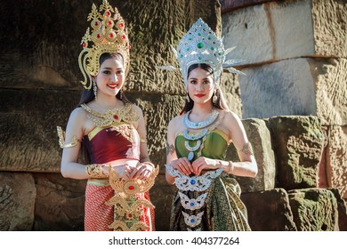 NAKHON RATCHASIMA - SEP 19: Unidentified woman with Thai dress at Phanomwan Historical Park on September 19, 2015 in Nakhon Ratchasima, Thailand