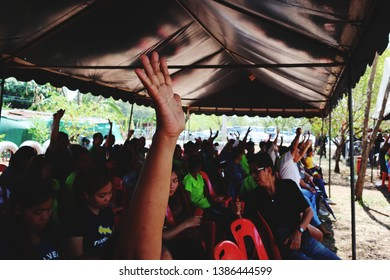 Nakhon Sawan, Thailand, May 1, 2019. People are raising their hands to comment on the cooperation.