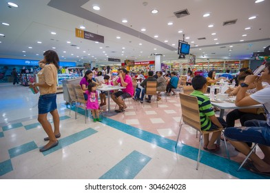 Nakhon Si Thammarat, 27 june 2015: Food court of Tesko Lotus mall in Nakhon Si Thammarat mueang district, Nakhon Si Thammarat province, Thailand.
