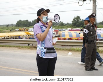 NAKHONSAWAN/THAILAND-JULY 31: Exercise Management for group accident on July 31, 2014 in Nakhonsawan. Medical commandership notifies all the victims, Rescue and Medical Personnel working.