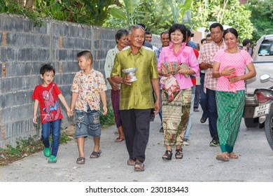 NAKORNRATCHSIMA, THAILAND-NOVEMBER 1, 2014: Unidentified people in Thai  wedding parade, November 1,2014, Nakornratchsima city, Thailand