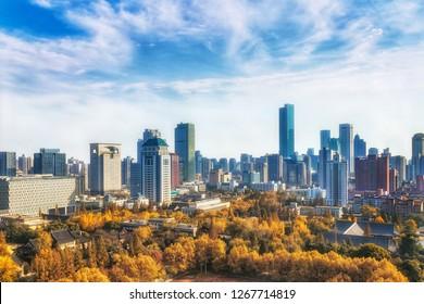 Nanjing Xinjiekou, which is shaded by autumn