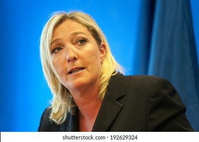 NANTERRE, FRANCE - MARCH 17, 2011: Marine le Pen in press conference at the headquarter of Front national, the political party she leads (Marine Pen)