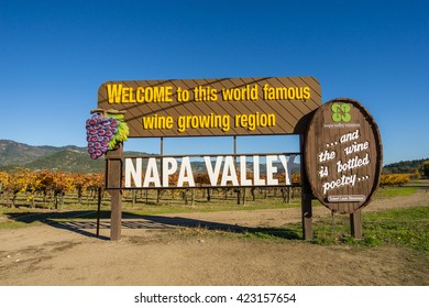 NAPA VALLEY, CA/USA - SEPTEMBER 25: Welcome to Napa Valley Sign in Napa valley, California on Sept 25, 2015.