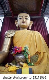 napal katmandu statue of buddha