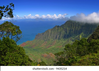 Napali Coastline from Kalalau Lookout, Kauai, HI.