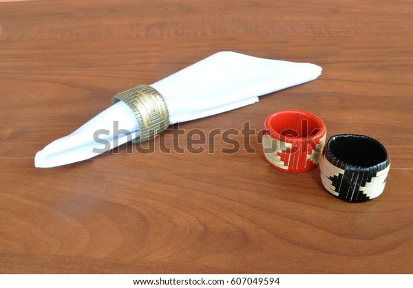 Napkins and handles, for tableware
