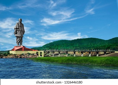 Narmada-Gujarat-India-November 24, 2018.Tourists visiting the world's tallest statue Statue of unity with a height of 182 metre of Sri Sardar Vallabhai Patel on November 4, 2018,Gujarat-India