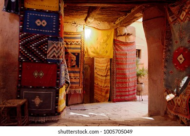 The narrow alleys of Marrakesh souk