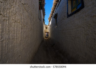 Narrow streets of Lo Manthang, Mustang, Nepal