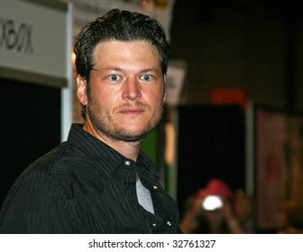 NASHVILLE, TN - JUNE 11: Country singer Blake Shelton signs autographs in the Nashville Convention Center during the CMA Festival June 11, 2009 in Nashville, Tennessee.
