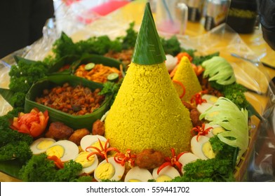 Nasi Tumpeng, A special food from Lombok, Indonesia