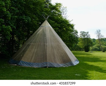 Tipi Lodges Images, Stock Photos & Vectors | Shutterstock