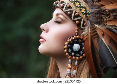 Native american, Indians in traditional dress, in the wild forest