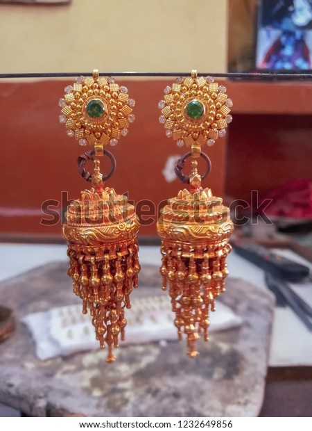 Ethnic Traditional Handmade Rajasthani Golden Plated Stone Earring DSCN9166