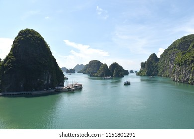 Natual view of halong bay
