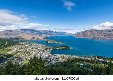 The Natural Beauty and Landscape of South New Zealand from Queenstown to Fiordland National Park