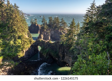 Natural Bridges of Samuel H. Boardman State Scenic Corridor, Oregon, USA