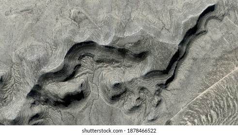 natural curves level, United States, abstract photography of relief drawings in  fields in the U.S.A. from the air, Genre: Abstract Naturalism, from the abstract to the figurative,
