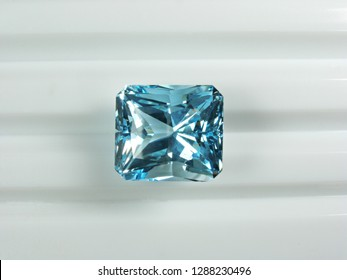 natural earth mined blue topaz precious gems stone good cutting for gems jewelry fashion