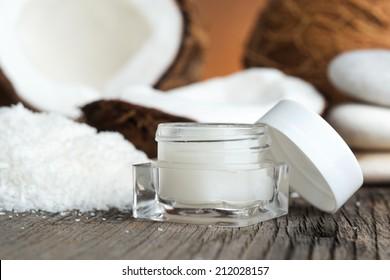 Natural face cream of coconut