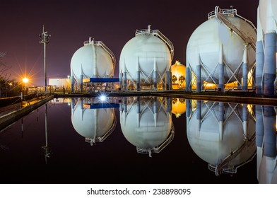 Natural gas tank - LNG or liquefied natural Industrial Spherical gas storage tank