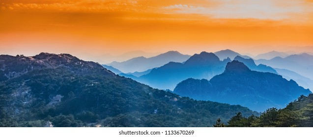 Natural Landscape of Tianhai Grand Canyon in Huangshan Scenic Spot, Huangshan City, Anhui Province
