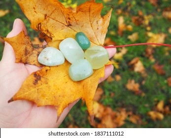 natural raw green jade chrystals gems