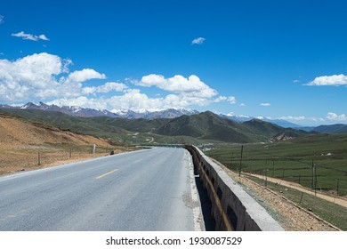 Natural scenery of Qinghai Tibet plateau highway in China