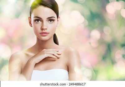 Natural as she is - fresh and beautiful / photoset of attractive brunette girl on blurred background with bokeh